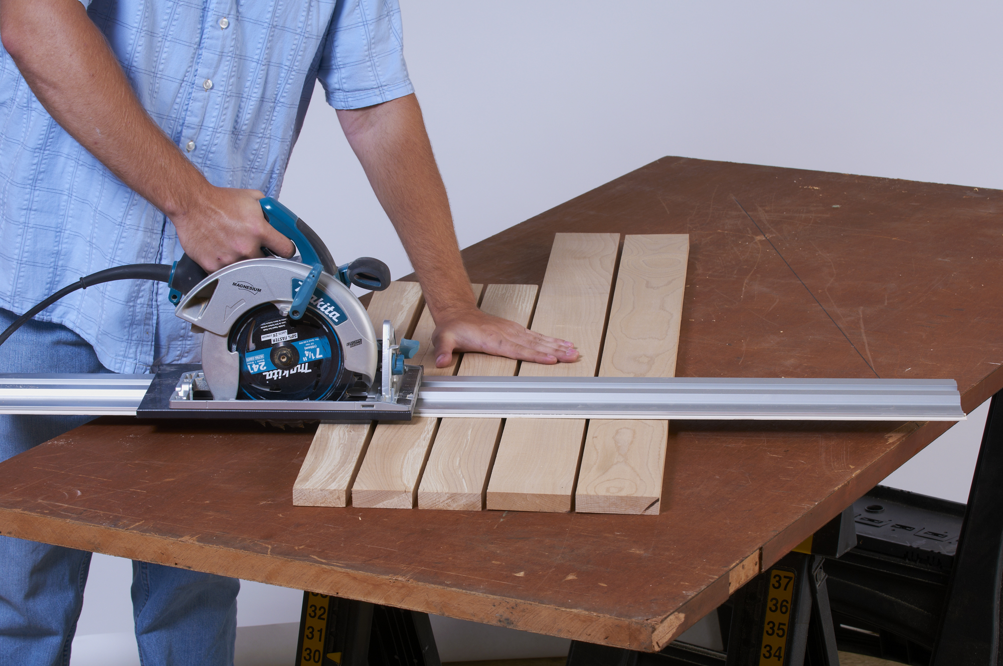 Circular Saw Guide Rail: A Brief Review